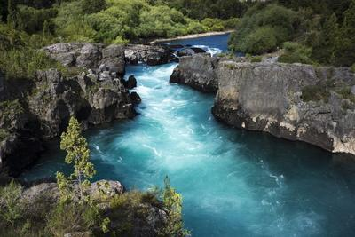 https://imgc.allpostersimages.com/img/posters/river-in-the-andes-patagonia-chile_u-L-PWFFDV0.jpg?p=0
