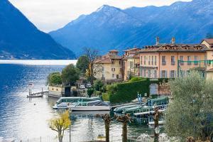 Lake Como by RnDmS