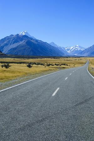https://imgc.allpostersimages.com/img/posters/road-leading-to-mount-cook-national-park-south-island-new-zealand-pacific_u-L-PQ8SVZ0.jpg?p=0