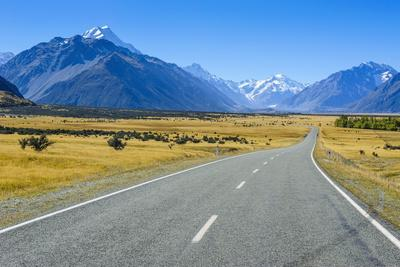 https://imgc.allpostersimages.com/img/posters/road-leading-to-mount-cook-national-park-south-island-new-zealand-pacific_u-L-PQ8SWB0.jpg?p=0