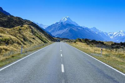 https://imgc.allpostersimages.com/img/posters/road-leading-to-mount-cook-national-park-south-island-new-zealand-pacific_u-L-PQ8SWN0.jpg?p=0