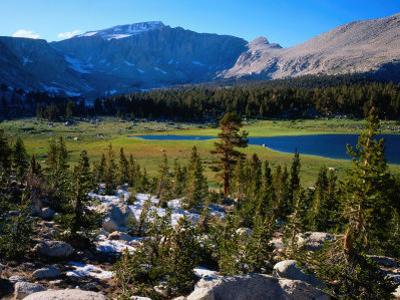 Eastern Sierra Nevada Mountain Range, California, USA by Rob Blakers