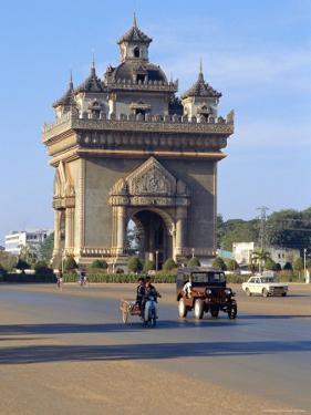 Anousavari Monument, Vientiane, Laos by Rob Mcleod