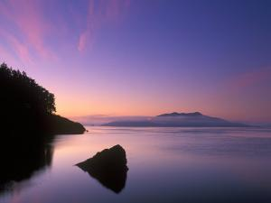 Doe Bay Dawn, Orcas Island, Washington, USA by Rob Tilley