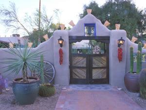Hacienda del Sol, Tucson, Arizona, USA by Rob Tilley