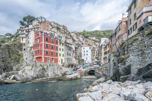 Italy, Cinque Terre, Riomaggiore by Rob Tilley
