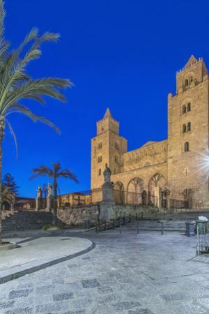 Italy, Sicily, Cefalu, Cefalu Cathedral. by Rob Tilley