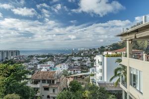 Puerto Vallarta by Rob Tilley