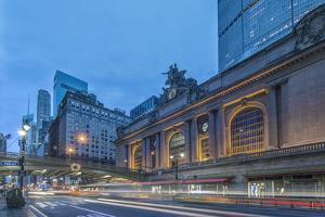 USA, New York, Grand Central Terminal at Dawn by Rob Tilley