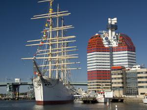 Barque the Viking and Gotheborgsutkiken, Gothenburg, Sweden, Scandinavia, Europe by Robert Cundy