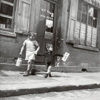Rue Marcellin Berthelot, Choisy-Le-Roi, c.1945 by Robert Doisneau