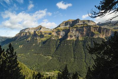Mondarruego, Punta Gallinero and Monte Perdido peaks over the Ordesa Valley North rim, Ordesa Natio by Robert Francis