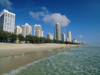 Surfers Paradise Beach, Gold Coast, Queensland, Australia by Robert Francis