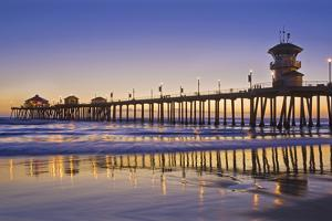 Huntington Beach Pier 3 by Robert Hansen