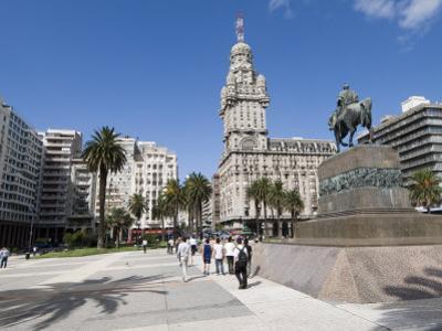Palacio Salvo, on East Side of Plaza Independencia, Montevideo, Uruguay by Robert Harding