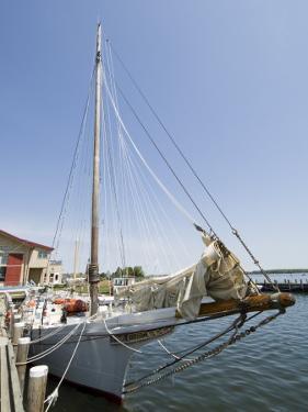Skipjack Sailing Boat, Chesapeake Bay Maritime Museum, St. Michaels, Maryland, USA by Robert Harding