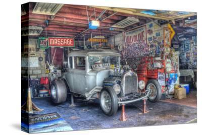 Olsens Garage by Robert Kaler
