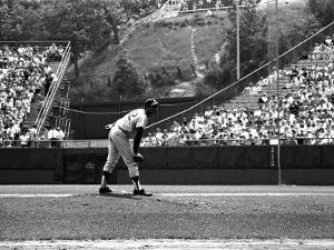 Los Angeles Dodgers Pitcher Sandy Koufax in Action During a Game Against the Milwaukee Braves by Robert W. Kelley