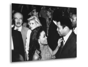 Robin Givens with Muhammad Ali, Ivana Trump and Donald Trump's Father, Fred, at Tyson-Spinks Fight