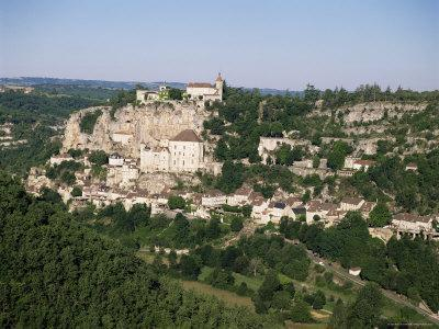 https://imgc.allpostersimages.com/img/posters/rocamadour-dordogne-midi-pyrenees-france_u-L-P1TBB00.jpg?p=0