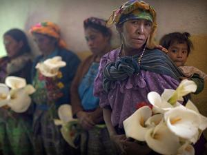 APTOPIX Guatemala Burial by Rodrigo Abd