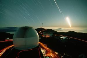 Star Trails over Mauna Kea by Roger Ressmeyer