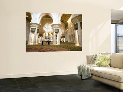 Interior of Sheikh Zayed Bin Sultan Al Nahyan Mosque (Also known as Sheikh Zayed Grand Mosque)