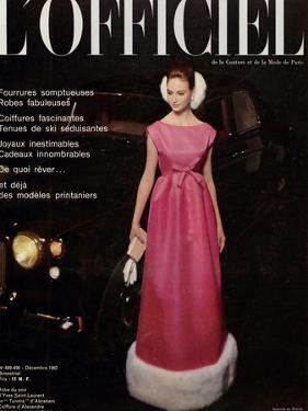 L'Officiel, December 1962 - Robe du Soir d'Yves Saint-Laurent en Tundra d'Abraham by Roland de Vassal