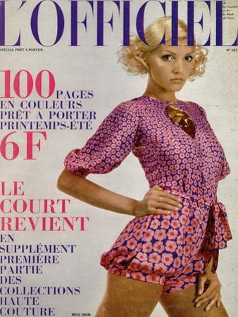 L'Officiel, 1971 - Modèle de Miss Dior Crêpe de Bianchini-Férier Imprimé Rosé Vif et Violet by Roland