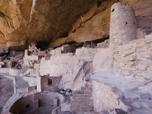 Cliff Palace Dwelling, Mesa Verde National Park, Colorado, USA by Rolf Nussbaumer