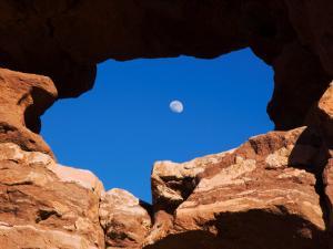Siamese Twins Rock Formation, Garden of The Gods National Landmark, Colorado Springs, Colorado by Rolf Nussbaumer