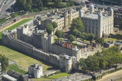 Aerial view of the Tower of London, UNESCO World Heritage Site, London, England, United Kingdom