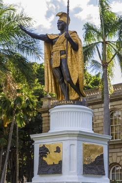 King Kamehameha 1, Honolulu, Oahu, Hawaii, United States of America, Pacific by Rolf Richardson