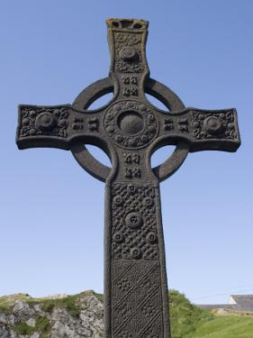 St. John's Cross, Iona, Scotland, United Kingdom, Europe by Rolf Richardson