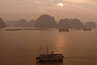 Sunrise at Halong Bay, UNESCO World Heritage Site, Vietnam, Indochina, Southeast Asia, Asia by Rolf Richardson