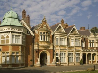 The Mansion, Bletchley Park, the World War Ii Code-Breaking Centre, Buckinghamshire, England, Unite by Rolf Richardson