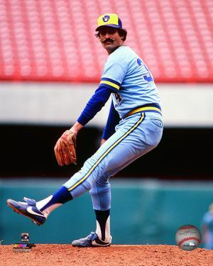 Rollie Fingers 1982 Action