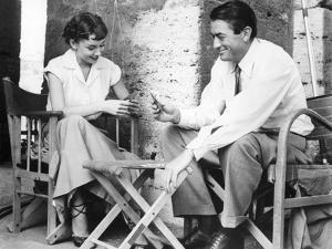 Roman Holiday, Audrey Hepburn, Gregory Peck, Playing CArds on Set, 1953
