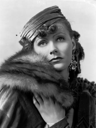 https://imgc.allpostersimages.com/img/posters/romance-1930-directed-by-clarence-brown-greta-garbo-b-w-photo_u-L-Q1C190C0.jpg?artPerspective=n