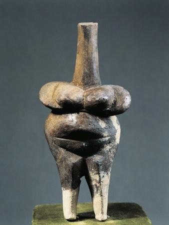 https://imgc.allpostersimages.com/img/posters/romania-bucharest-muzeul-national-de-istorie-al-romaniei-terracotta-idol-from-cernavoda_u-L-POPMWP0.jpg?artPerspective=n