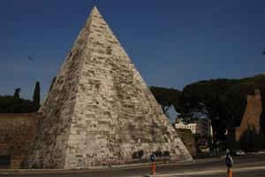 Rome, Pyramid of Cestius