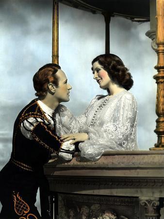 https://imgc.allpostersimages.com/img/posters/romeo-and-juliet-leslie-howard-norma-shearer-1936-balcony-scene_u-L-PH5XGE0.jpg?p=0