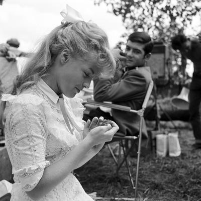 https://imgc.allpostersimages.com/img/posters/romy-schneider-and-jean-claude-brialy-on-set-of-film-christine-1958-b-w-photo_u-L-Q1C45KC0.jpg?artPerspective=n