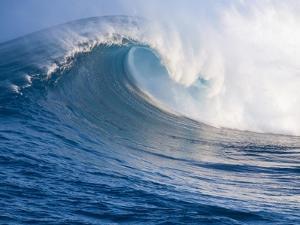 Breaking Waves at a Surfing Area called Peahi, North Shore of Maui, Hawaii by Ron Dahlquist