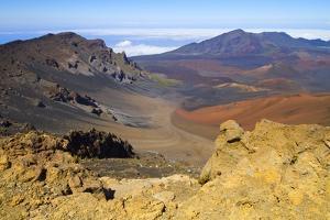 Haleakala Crater, Maui, Hawaii by Ron Dahlquist