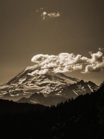 Scenic View Of Mt Rainier From The Pacific Crest Trail