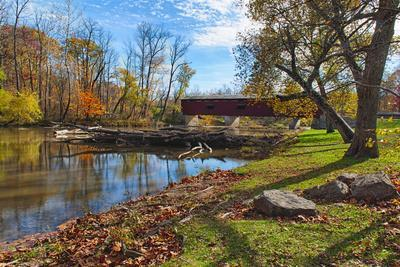 USA, Indiana, Cataract Falls State Recreation Area, Covered Bridge