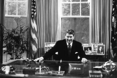 Ronald Regan Desk Oval Office Black White Archival Photo Poster