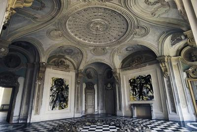 https://imgc.allpostersimages.com/img/posters/room-with-exhibitions-of-modern-art-castle-of-rivoli_u-L-PPTN7G0.jpg?p=0
