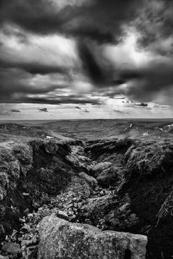 Storm Approach by Rory Garforth